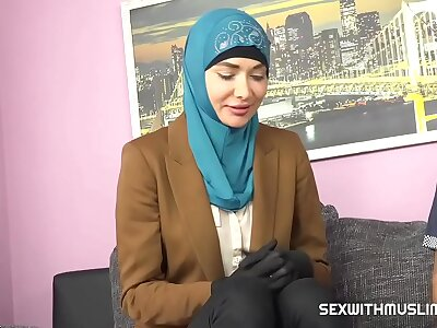 Muslim babe gets marketable with the bureaucracy