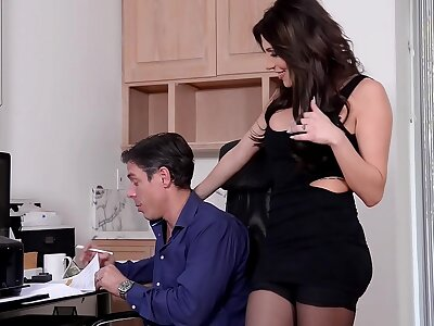 Lucky costs loves to Hardcore be crazy his beautiful hot wife Jaclyn Taylor